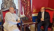 المطران درويش عرض مع سفير النمسا في لبنان تعزيز التعاون