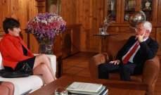 فرنجيه التقى سفيرة كندا وبحث معها الاوضاع الراهنة
