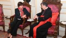 سفيرة كندا نفت إعتماد بلادها برنامجاً خاصًا لهجرة المسيحيين من لبنان