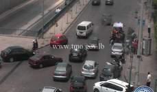 جريح نتيجة تصادم بين سيارة ودراجة نارية محلة المدينة الرياضية