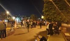 شبان اعتدوا على المعتصمين في ساحة المنصورية والجيش فتح الطريق جزئيا