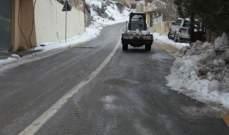 النشرة: تساقط الثلوج يعيد اغلاق طريق شبعا في حاصبيا