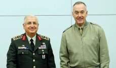 رئيسا أركان الولايات المتحدة وتركيا يبحثان وضع سوريا في مقر قيادة الناتو