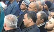 النشرة: بدء مراسم تشييع علي عيد في حكر الضاهري بحضور ابنه رفعت عيد