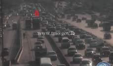 تعطل شاحنة على اوتوستراد الكرنتينا باتجاه بيروت