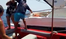 الدفاع المدني: انقاذ ستة أشخاص احتجزوا على متن زورق مقابل شاطئ عمشيت