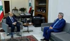 الرئيس عون اطلع من حاكم مصرف لبنان على الاجراءات المتخذة لمعالجة وضع الليرة