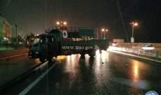 التحكم المروري: حركة مرور كثيفة بعد جسر خلدة بسبب انزلاق بيك آب