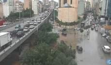 التحكم المروري: حركة مرور كثيفة من المدينة الرياضية وصولا الى نفق سليم سلام