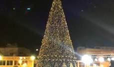 اضاءة شجرة الميلاد في ساحة القسم في صور
