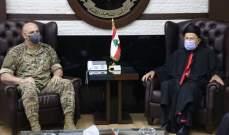 قائد الجيش عرض مع المطران الحاج إنشاء مركز استشفائي في عين إبل