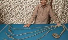 هندي لم يقص أظافره منذ عام 1952