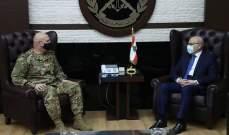 قائد الجيش بحث مع امين عام المجلس الأعلى السوري - اللبناني اخر التطورات