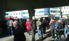 مسيرات تتّجه إلى أمام جمعية المصارف على أن تنتقل بعدها إلى ساحة الشهداء ثم الى محيط مجلس النواب