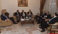 اللقاء التشاوري يؤكد حقه المشاركة  في حكومة وحدة وطنية بوزير يمثله حصراً