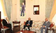 الحريري عرضت الاوضاع مع رئيس غرفة صيدا ورئيس جمعية تجارها
