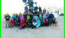 شبان وشابات لبنانيون مارسوا رياضة المشي في طبية عرمون وحتى عين درافيل