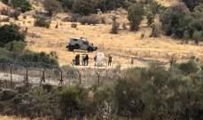 النشرة: ذوو الجنود الاسرائيليين الذي خطفوا عام 2000 يزورون النصب التذكاري بمحاذاة السياج الحدودي