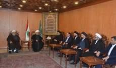 عبد الأمير قبلان يستقبل رئيس الوقف الشيعي العراقي