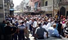 """النشرة: المخيمات الفلسطينية تحي """"جمعة الغضب 10"""" إحتجاجا على إجراءات وزارة العمل"""