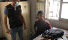 سارق كابلات كهربائية من أعمدة الانارة في قبضة فوج حرس بيروت