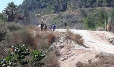 النشرة: ورشة اسرائيلية تعمل على تأهيل الطريق الترابي مقابل العديسة