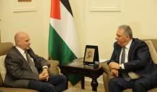 """دبور عرض ومدير """"الأونروا"""" في لبنان للأوضاع المعيشية للاجئين الفلسطينيين"""