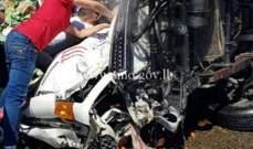 جريح نتيجة تصادم بين 3 شاحنات ومركبة على طريق عام ضهرالبيدر