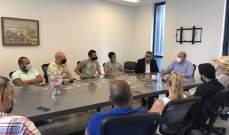 رئيس بلدية جبيل عرض مع وفد من أصحاب المقاهي والملاهي في المدينة واقع القطاع