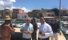 سعد يجول مع الناشط بالملاحة البحرية الفرنسي على المعالم التاريخية والبحرية بالبترون