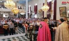 المصلون في كنيسة السيدة العذراء بالقامشلي: قداس اليوم رسالة أننا باقون في هذه الأرض
