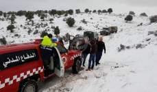 الدفاع المدني: إنقاذ مواطنين احتجزوا داخل سياراتهم برشعين