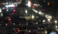 تصادم بين سيارتين على أوتوستراد الكرنتينا باتجاه الدورة وحركة المرور كثيفة