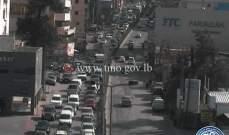 حركة المرور كثيفة عند مدخل كلية العلوم في الحدث بسبب اجراء امتحانات