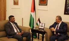 اشرف دبور يطلع سفير باكستان على مستجدات الاوضاع في فلسطين
