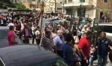 النشرة: خروج شقيق اسامه منصور من سجن روميه وهو في طريقه الى طرابلس