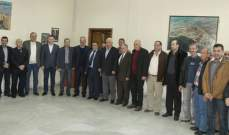 قمرالدين التقى وفدا من اتحاد نقابات عمال البلديات وتسلم مذكرة مطلبية
