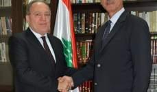 تسليم وتسلم بين حيدر وفواز في الجامعة اللبنانية الثقافية في العالم
