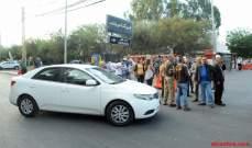 بدء تجمع السائقين العموميين أمام مركز المعاينة الميكانيكية في الحدث