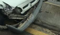 وقوع حادث سير على طريق الحازمية بين دراجة نارية وسيارة