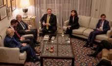 بومبيو التقى وليد جنبلاط في كليمنصو بحضور شهيب وتيمور جنبلاط