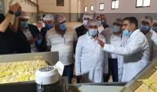 مرتضى جال في اقسام شركة طيبات لصناعة البطاطا المثلجة في خراج بلدة انصاريه