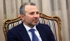 باسيل طلب من ماكرون المساعدة في إقناع القوى الإقليمية والدولية بعدم جعل لبنان ورقة مساومة