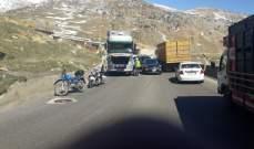 تعطل شاحنة على طريق عام ضهر البيدر بالقرب من محطة الغدير