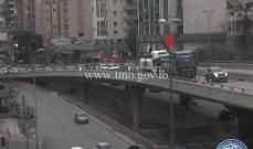 التحكم المروري: تعطل شاحنة على جسر نهر الموت