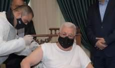 """وكالة """"وفا"""": الرئيس الفلسطيني محمود عباس تلقى اللقاح المضاد لكورونا"""