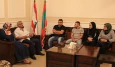 موظفو مستشفى صيدا الحكومي يعرضون اوضاعهم مع اسامة سعد