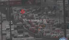 التحكم المروري: تصادم بين سيارتين آخر جسر الدورة باتجاه الكرنتينا