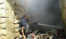 النشرة: اخماد حريق نفايات واخشاب داخل محل قديم عند مدخل صيدا القديمة