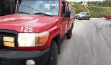 الدفاع المدني: إخماد حريق حافلة صغيرة في معروب- صور والأضرار مادية